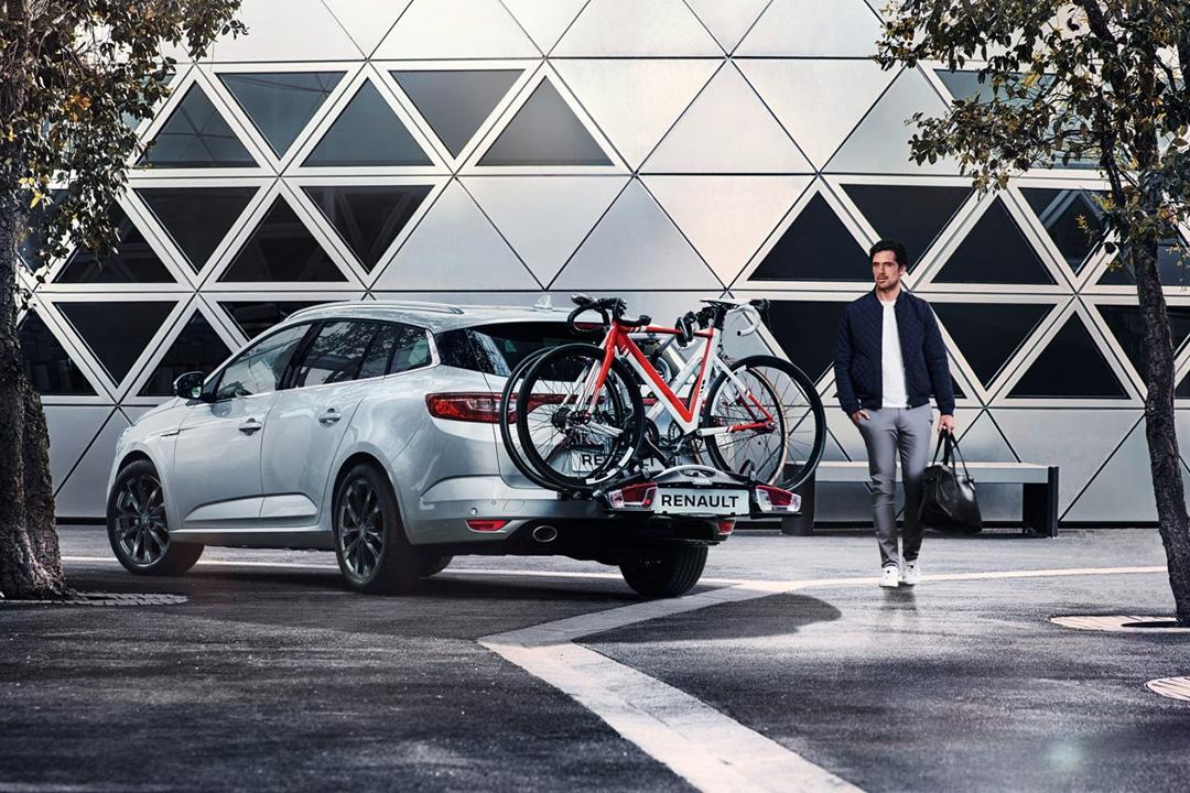 renault-megane-sport-tourer-med-cyklar