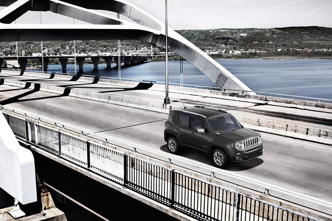 2018-Jeep-Renegade-on-a-bridge