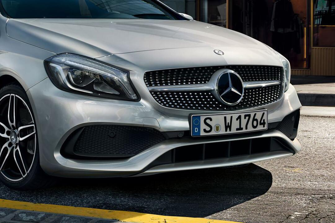 Mercedes-Benz-A-180-sedd-framifrån