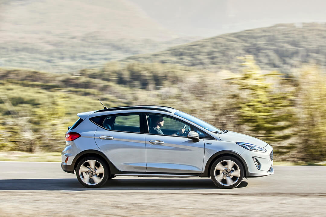 ford-fiesta-active-i-profil