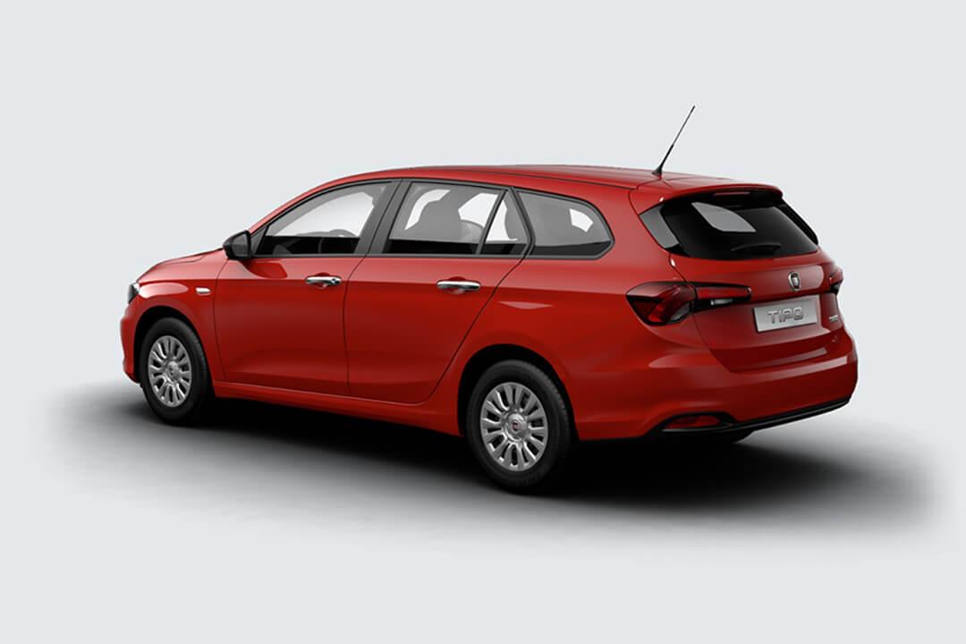 Fiat-tipo-röd-pop-sedd-snett-bakifrån