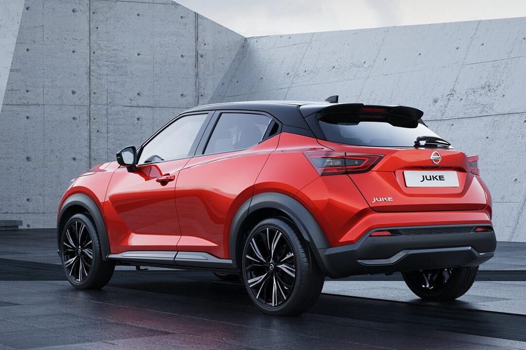 nissan-juke-2020-sunset-red-black-roof-rear