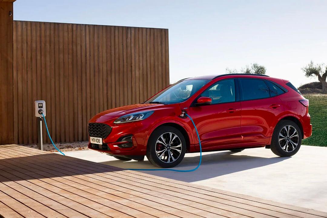 ford-kuga-st-line-x-hybrid