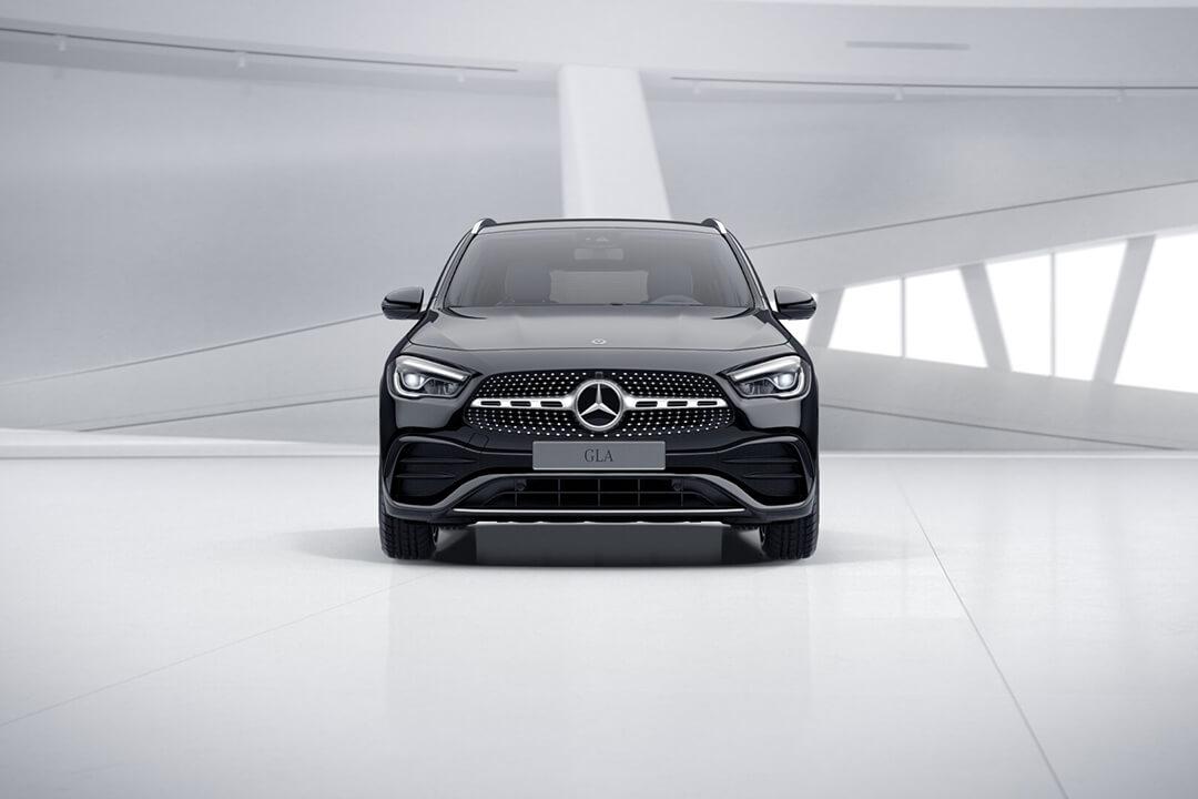 en-svart-mercedes-gla-200-front