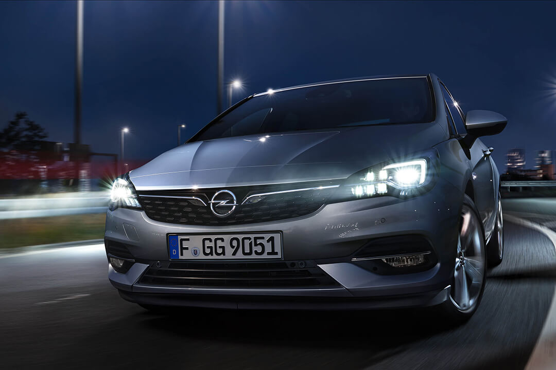 opel-astra-5d-front