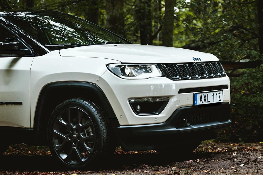 jeep-compass-phev-front