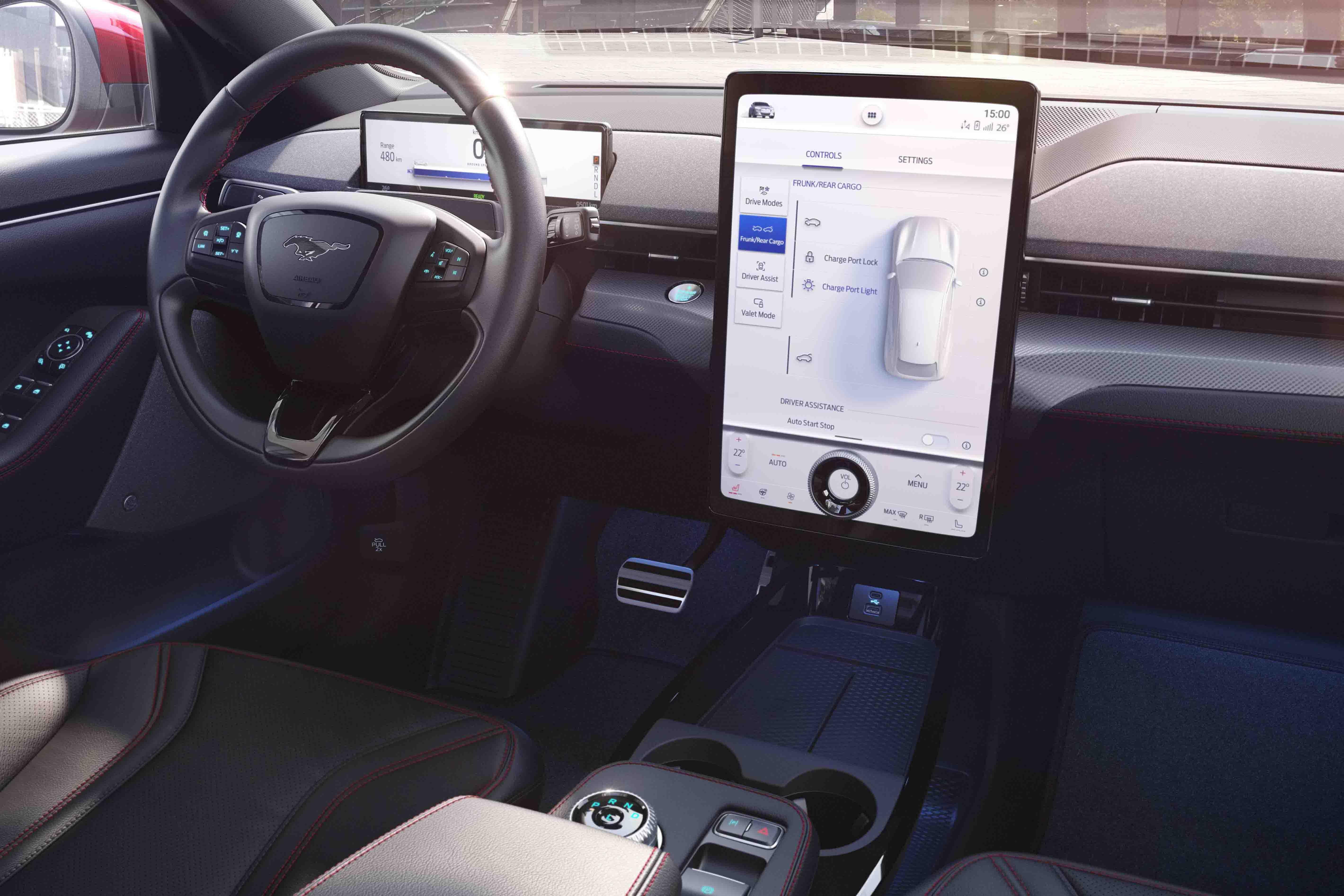 All-Electric-Ford-Mustang-Mach-E-interiör