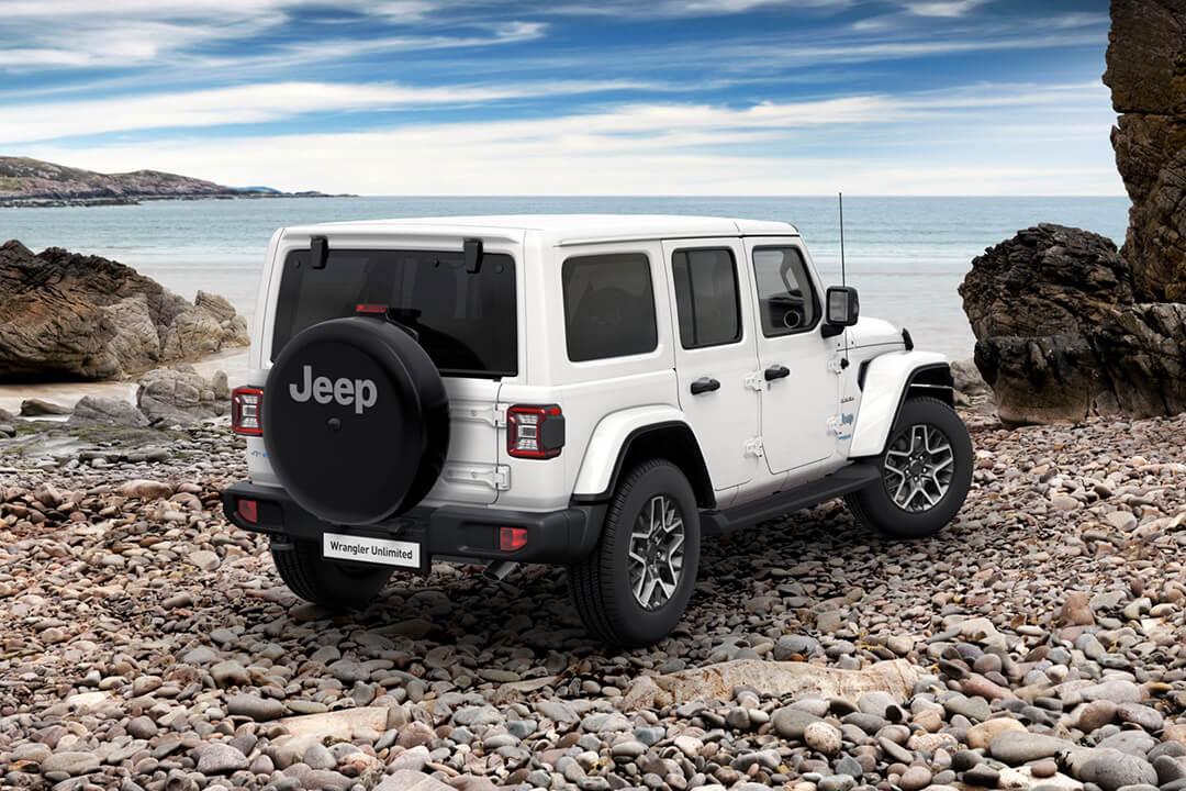 jeep-wrangler-sahara-baklykta-stenstrand-havet